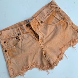 Free people distressed denim shorts sz 27